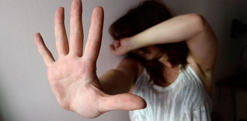 Risultati immagini per immagine di prete che stupra minore