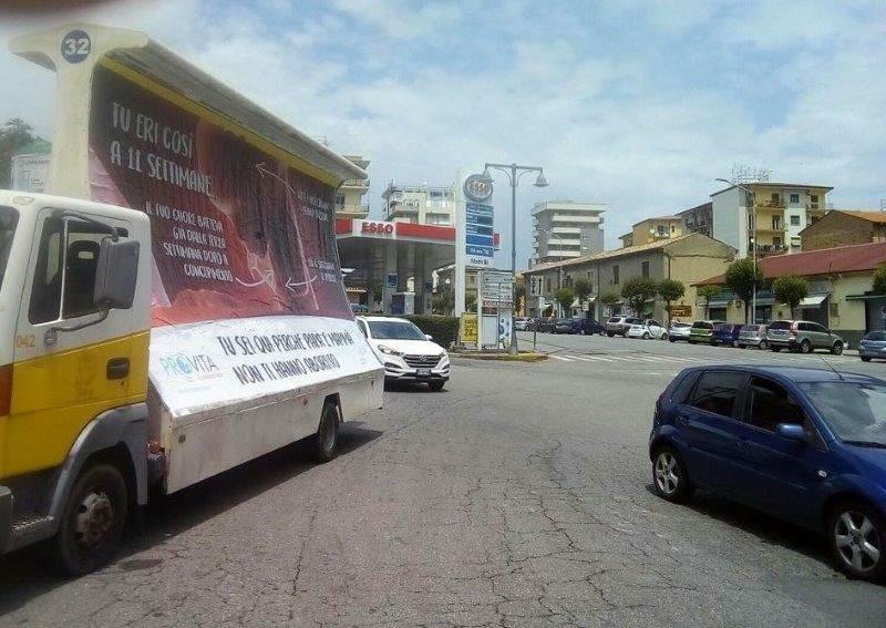 Il camion vela di ProVita a Cosenza